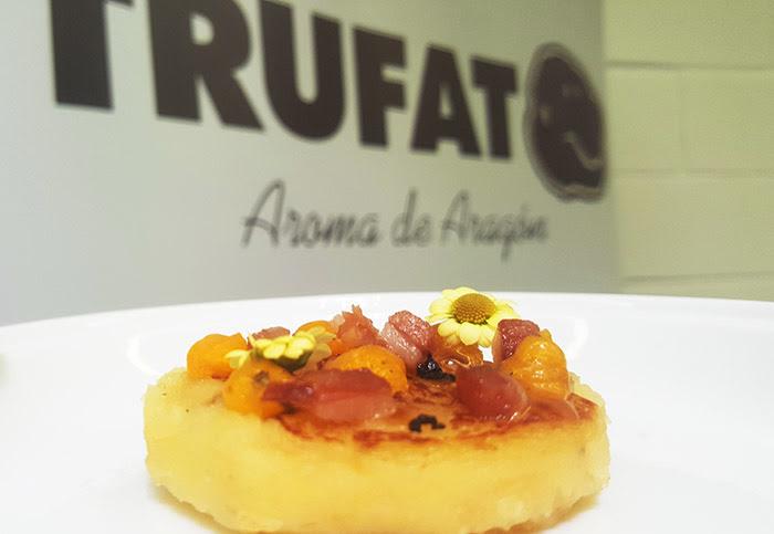 Rodeta de patata Monalisa con cebolla de Fuentes y dados de panceta ibérica rustida